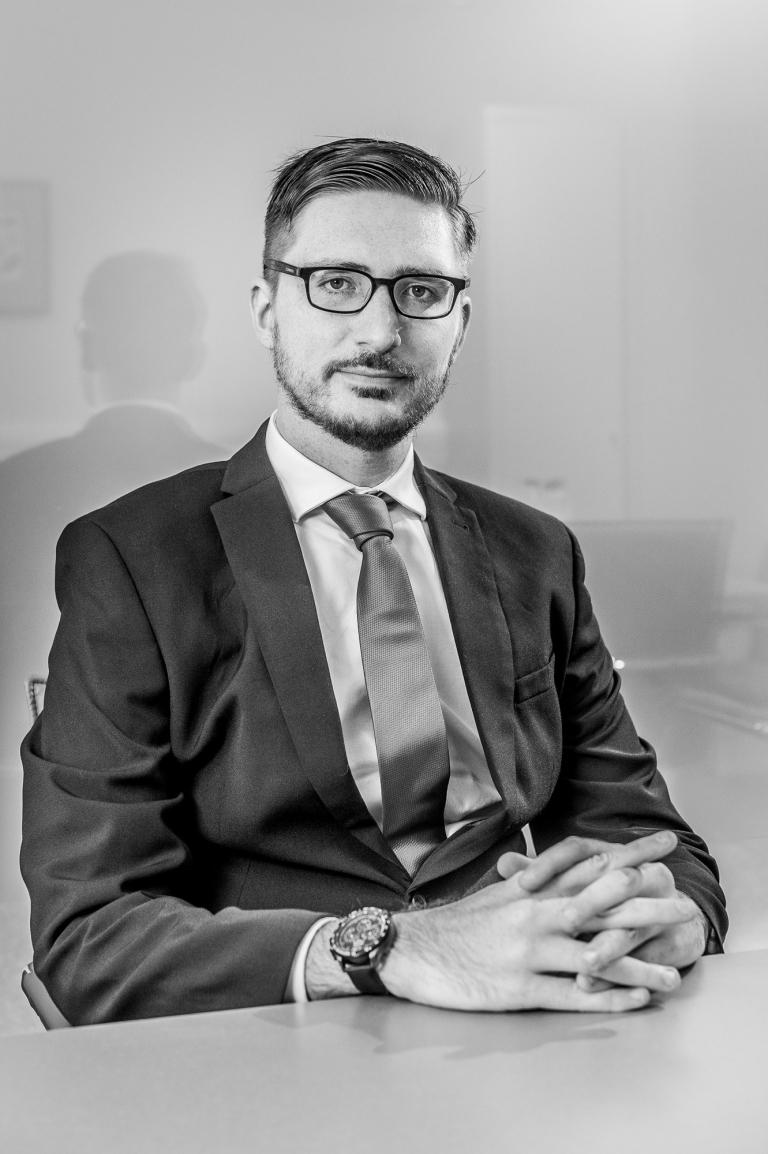 Headshot of Gloucestershire based Lawyer