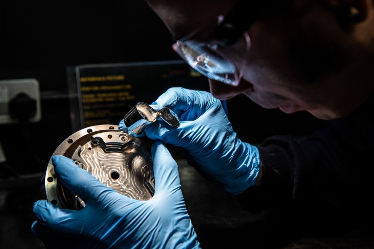 Close up image of an NDT inspection at Poeton in Gloucester